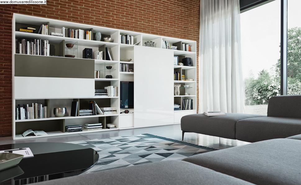 libreria con scrivania incorporata
