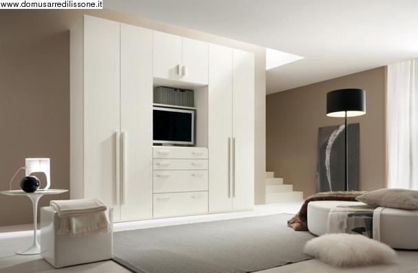 armadio attrezzato con vano porta tv