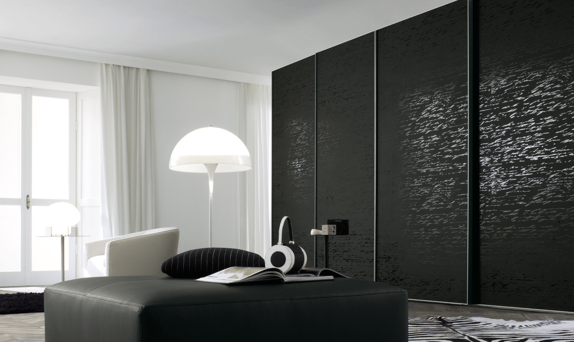 Armadio jesse scripta serigrafato per un design for Armadio camera da letto